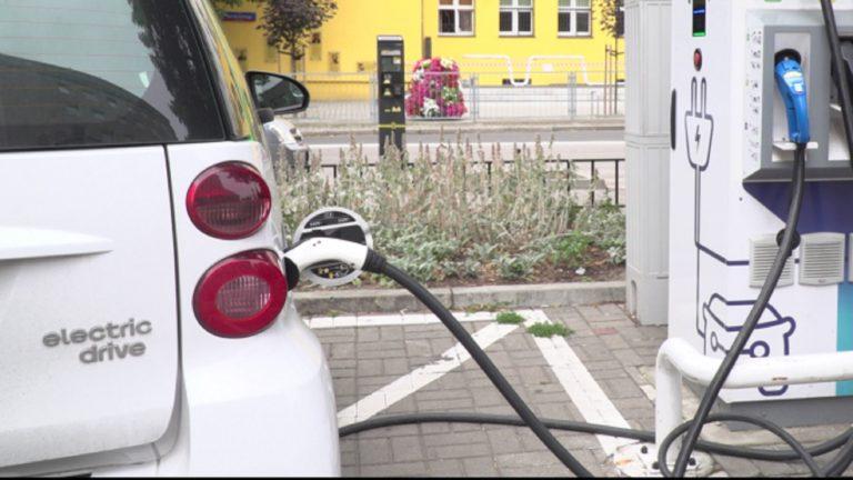 Więcej aut elektrycznych. Wyzwanie dla firm assistance