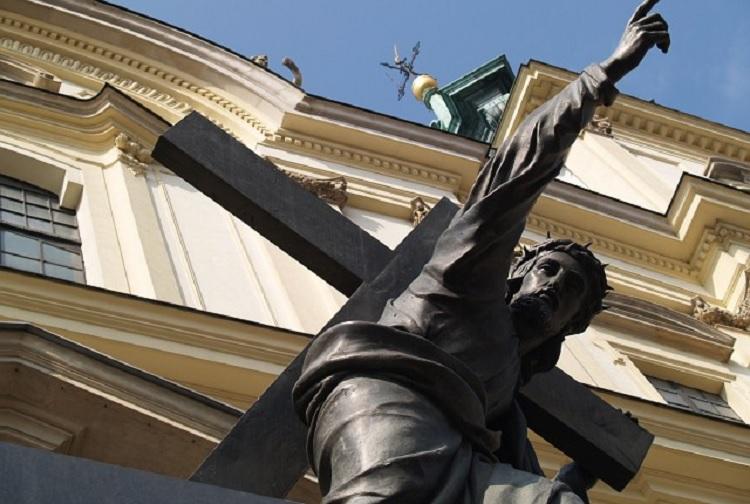 Ataki na świątynie i wiernych podczas niedzielnych Mszy Świętych